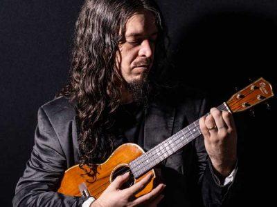 Curso de ukulele com João Tostes